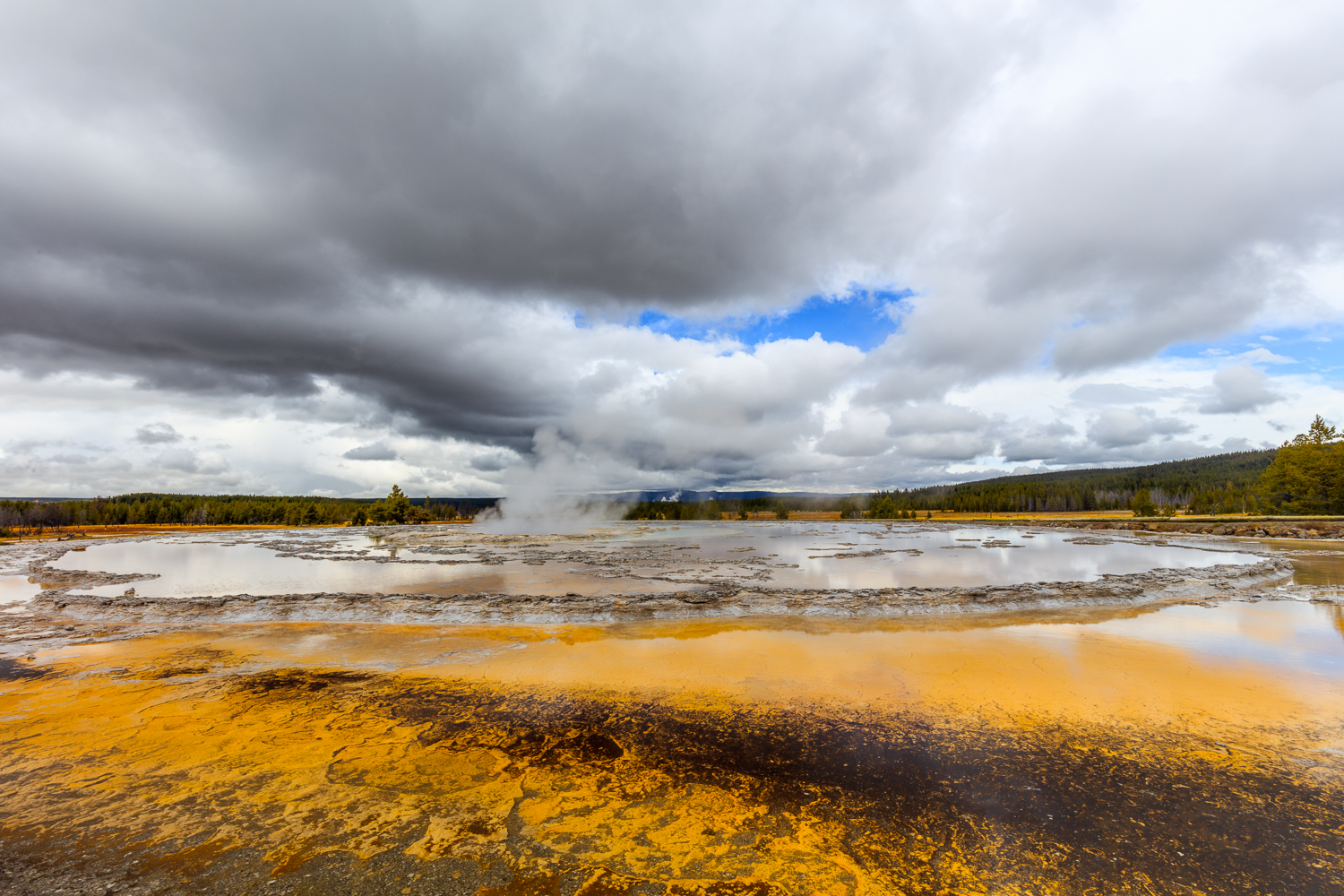 Firehole Basin - Great Fountain Geyser
